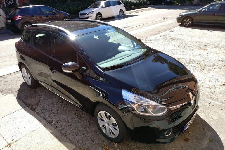 Billig billeje af Renault Clio Sports Tourer dCI med Isofix beslag nær 2400 København.