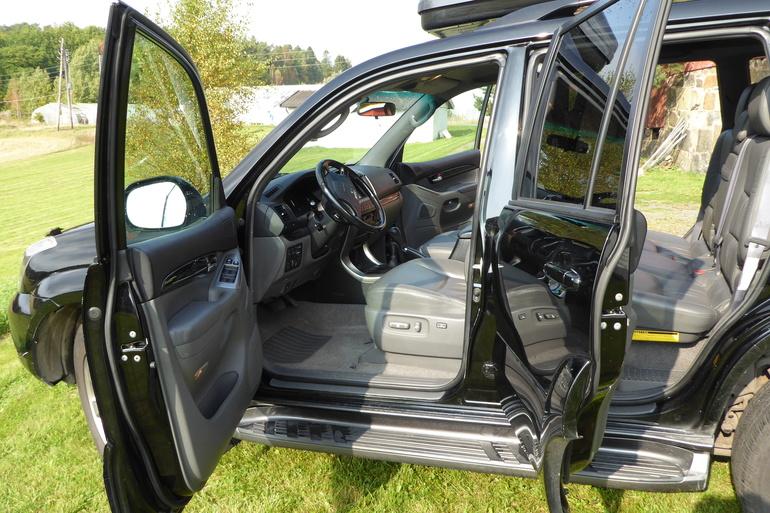 Billig leie av Toyota Landcruiser  med Bluetooth nærheten av 0571 Oslo.