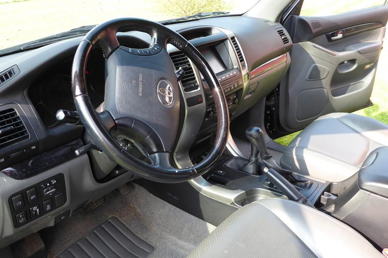 Billig leie av Toyota Landcruiser  med Skiboks nærheten av 0571 Oslo.
