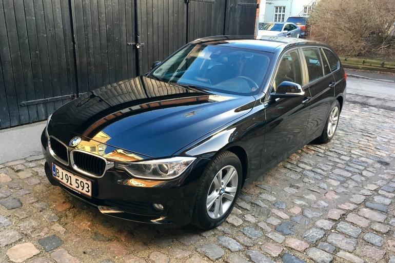 Billig billeje af BMW 320D, 2.0, 184HK med AUX/MP3 indgang nær 1853 Frederiksberg.