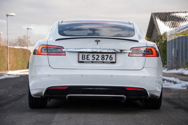 Billig billeje af Tesla Model S P85 med Aircondition nær 2630 Taastrup.