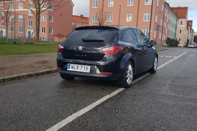 Billig biluthyrning av SEAT  med Bluetooth i närheten av 212 19 Malmö.