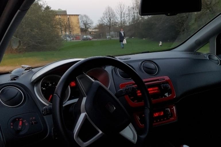 Billig biluthyrning av SEAT  med Aircondition i närheten av 212 19 Malmö.