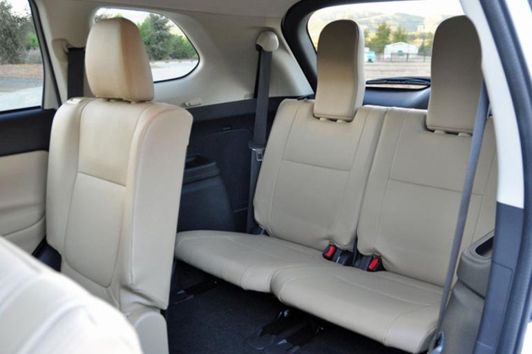 Billig biluthyrning av Mitsubishi Outlander 2.2 AWD med Aircondition i närheten av 170 67 Solna.