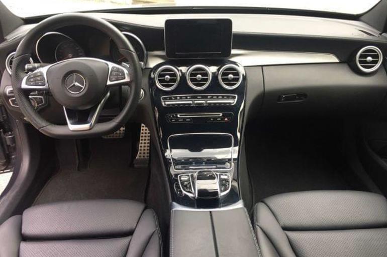 Alquiler barato de Mercedes C 220 (202) D Sport con equipamiento AUX/Reproductor MP3 cerca de 28031 Madrid.
