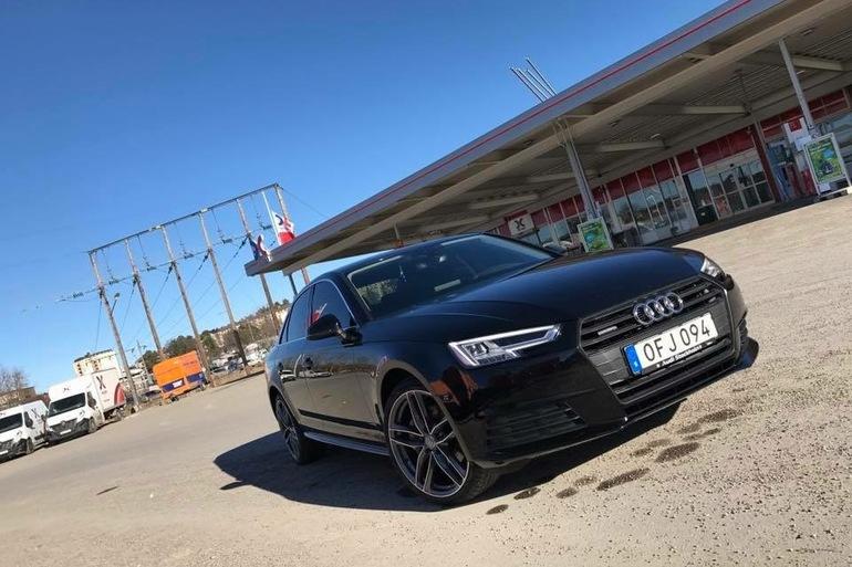 Billig biluthyrning av Audi a4 med AUX/MP3-ingång i närheten av 163 61 Stockholm.