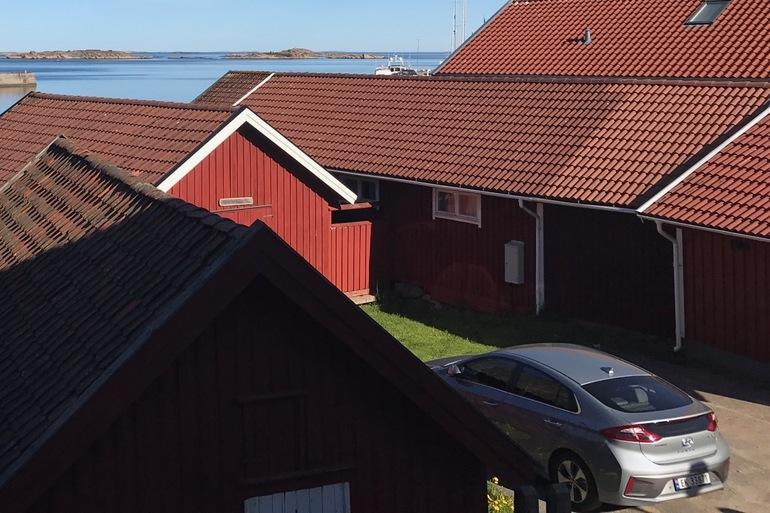 Billig leie av Hyundai Ioniq med Isofix-beslag nærheten av 1163 Oslo.