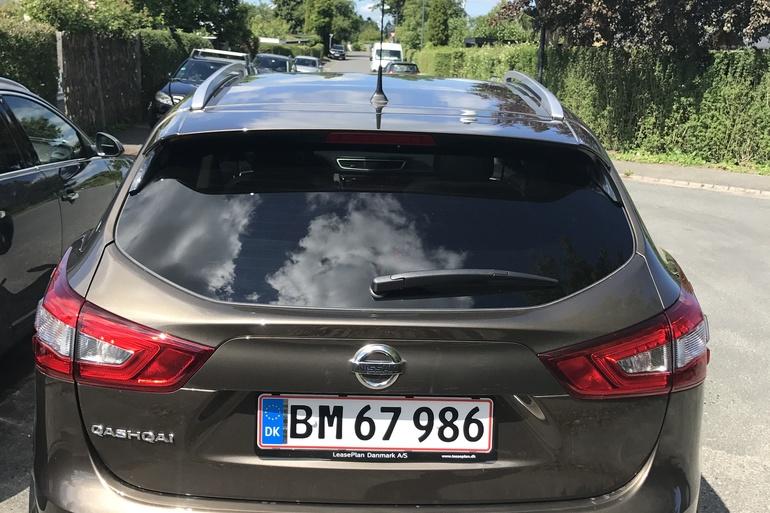 Billig billeje af Nissan Qashqai dCi 130 HK med AUX/MP3 indgang nær 2000 Frederiksberg.
