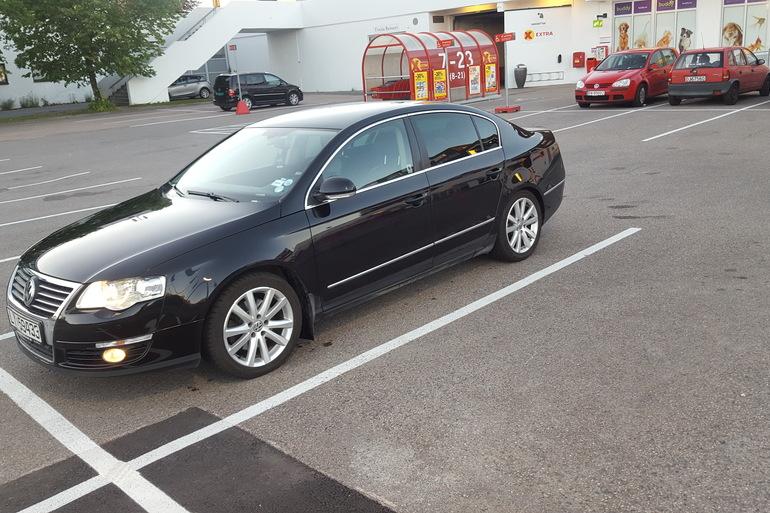 Billig leie av VW Passat 1.9 tdi HIGHLINE 2006 modell. med CD-spiller nærheten av 0673 Oslo.
