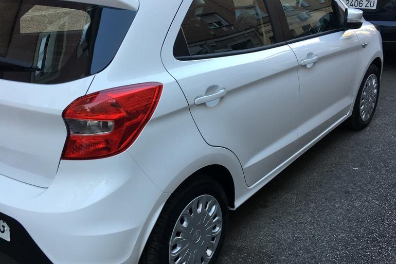 Alquiler barato de Ford Ka 1.2 Trend+ con equipamiento Asiento bebé cerca de 28027 Madrid.