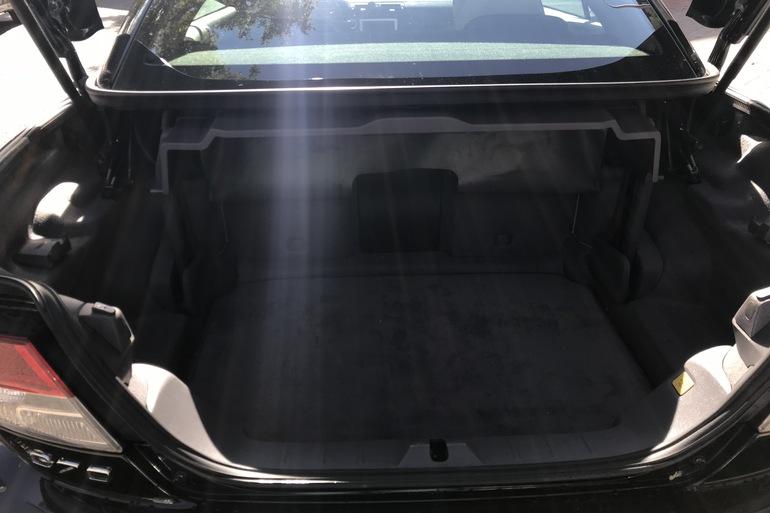 Alquiler barato de Volvo C70 Cabrio 2.0 D Momentum At con equipamiento Lector DVD cerca de 28033 Madrid.