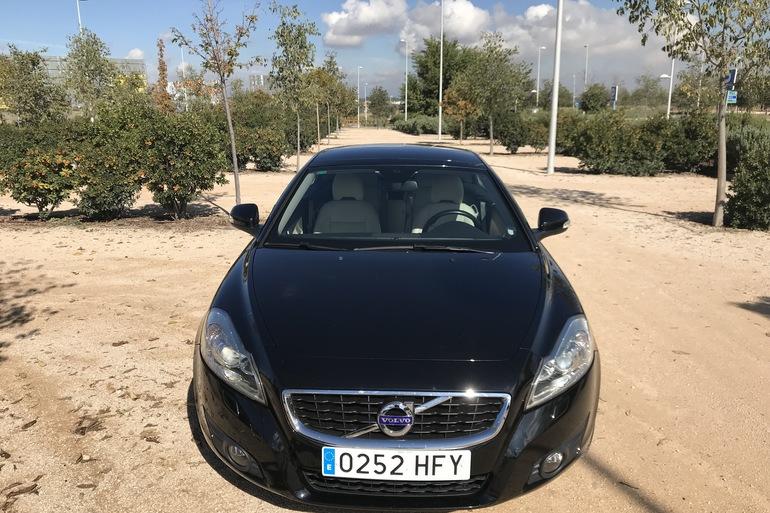 Alquiler barato de Volvo C70 Cabrio 2.0 D Momentum At con equipamiento Aire acondicionado cerca de 28033 Madrid.