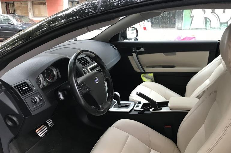 Alquiler barato de Volvo C70 Cabrio 2.0 D Momentum At con equipamiento Elevalunas eléctricos  cerca de 28033 Madrid.