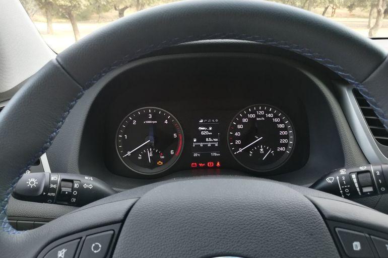 Alquiler barato de Hyundai Tucson 1.7crdi Bd Klass Nav 4x2 con equipamiento Bluetooth cerca de 46010 València.