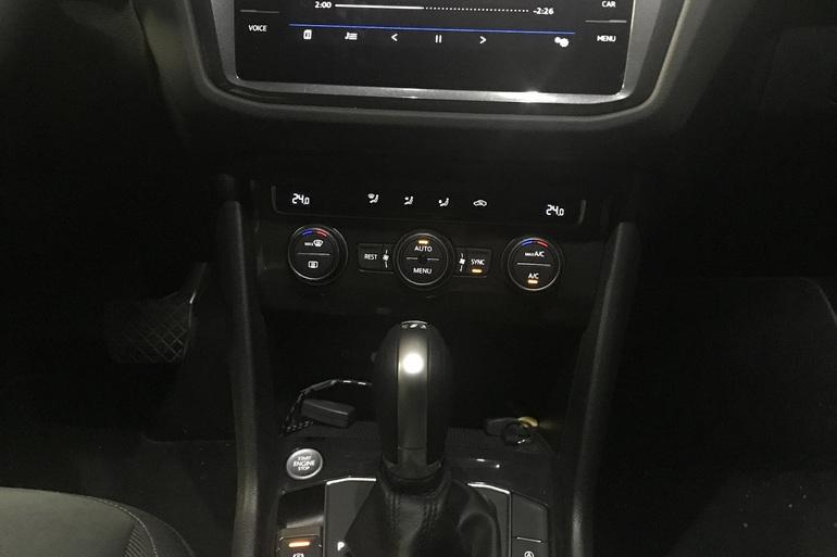 Alquiler barato de Volkswagen Tiguan 2.0 Tdi 184 R-Lin Bm 4m D con equipamiento Fijaciones Isofix cerca de 28040 Madrid.