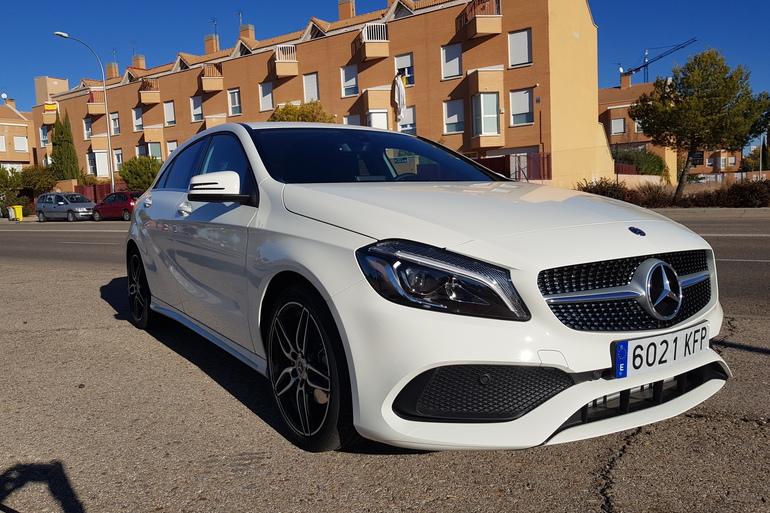 Alquiler barato de Mercedes A (176) 200 Cdi Be Amg Sport con equipamiento GPS cerca de 28031 Madrid.