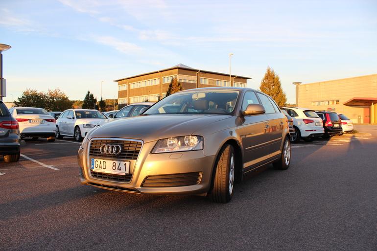 Billig biluthyrning av Audi A3 1,9 TDI med Isofix i närheten av 416 59 Göteborg.