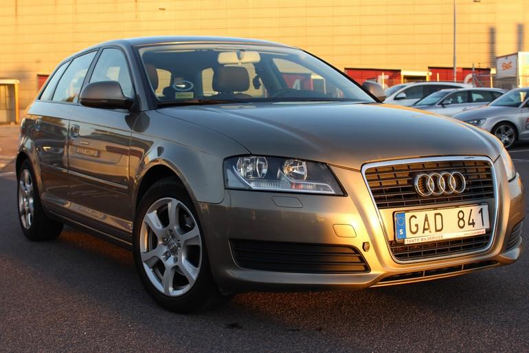 Billig biluthyrning av Audi A3 1,9 TDI med AUX/MP3-ingång i närheten av 416 59 Göteborg.