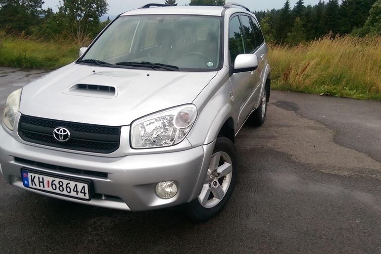 Billig leie av Toyota RAV4 med Hengerfeste nærheten av 0369 Oslo.