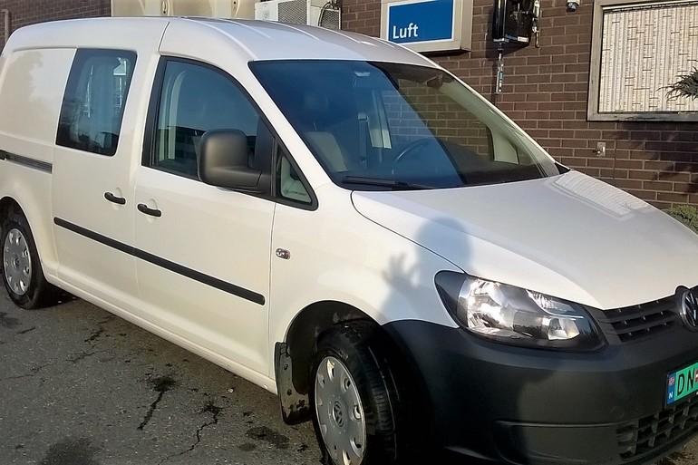 Billig leie av VW Caddy Maxi 1,6 tdi med Hengerfeste nærheten av 1365 Sandvika.