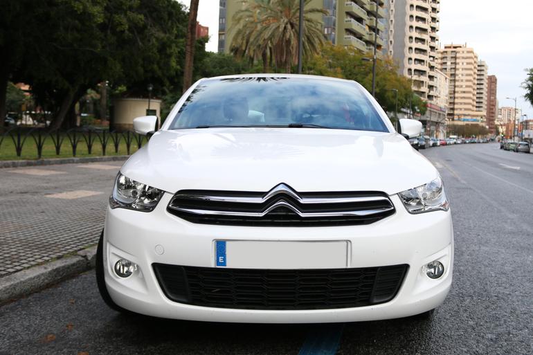 Alquiler barato de Citroen C-Elysee 1.2 Puretech Exclusive cerca de 29007 Málaga.