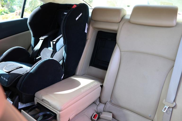 Alquiler barato de Lexus Is 220D Sport Multimedia con equipamiento Aire acondicionado cerca de 28400 Collado Villalba.