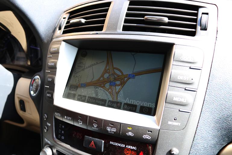 Alquiler barato de Lexus Is 220D Sport Multimedia con equipamiento Lector DVD cerca de 28400 Collado Villalba.